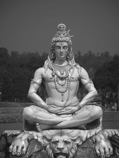 Shiva statue in Rishikesh, India Mais Shiva Art, Shiva Shakti, Hindu Art, Lord Shiva Hd Wallpaper, Shiva Tattoo, Zen Tattoo, Venus Statue, Poseidon Statue, Buddhism