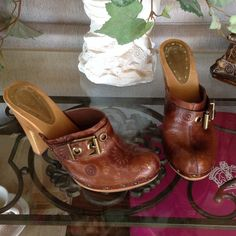 """NEW BCBGIRLS-SIZE 91/2M NEW NEVER BEEN WORN-TOP IS LEATHER THE SOLE AND HEEL IS WOOD-DOES HAVE SOME MINER MARKS IN THE WOOD SEE PICTURES-3""""HEEL-FLOWERS AND BUKLE DETAILS-HAS WRITING ON BOTTOM-GORGEOUS BCBGirls Shoes Mules & Clogs"""