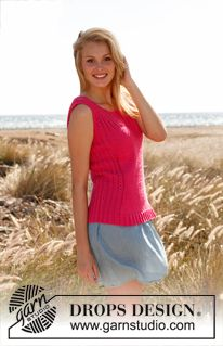 """Knitted DROPS tight-fitting top with rib and lace pattern in """"Cotton Light"""". Size: S - XXXL. ~ DROPS Design"""