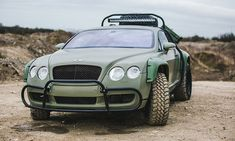 I've never been a huge fan of the Bentley Continental, or Bentleys for that matter, but this one is growing on me. The Bentley Continental GT Rally Edition Bentley Continental Gt, Rally Car, Car Car, Road Rally, Auto Volkswagen, Kahn Design, Rich Cars, Automobile, Roll Cage
