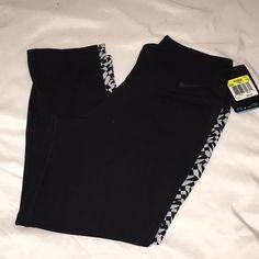 Nike legendary leggings Brand new never worn tags still attached Nike printed Capri style leggings. Nike Pants Leggings