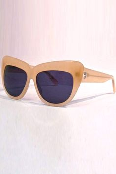 617862bfb0 The House of Harlow 1960 Chelsea Sunglasses in Nude