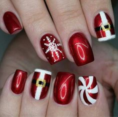 Christmas Nails – Festive Christmas Nail Designs for An outstanding Christmas nail art can h… Cute Christmas Nails, Christmas Nail Art Designs, Xmas Nails, Holiday Nails, Christmas Manicure, Valentine Nails, Halloween Nails, Gorgeous Nails, Pretty Nails