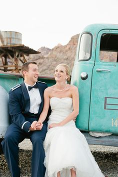 We love the vintage feel to this photo! Image from Emily Ku Photography