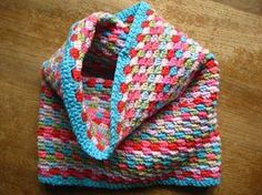 """Cozy neck warmer, free pattern from Lucy of with her usual detailed explanations & tons of photos. This is not loose like a cowl, but more of a stretchy tube. The stitch is """"granny stripes"""" done in SC. Knit Or Crochet, Learn To Crochet, Crochet Scarves, Crochet Shawl, Crochet Crafts, Crochet Clothes, Crochet Stitches, Crochet Projects, Crochet Patterns"""
