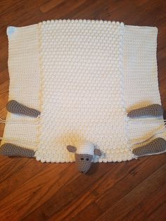 Ravelry: Project Gallery for Cuddle and Play Sheep Blanket pattern by Aneta Izabela de ganchillo patrones Crotchet Patterns, Baby Knitting Patterns, Toddler Blanket, Baby Blanket Crochet, Baby Hut, Manta Crochet, Yarn Projects, Knitted Blankets, Cuddling