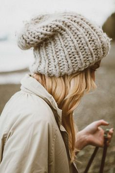 slouchy knit beanie, one of the essential winter accessories for cozy hibernation! Doll Clothes Patterns, Clothing Patterns, Preppy Girl, Thick Yarn, Foto Instagram, Winter Accessories, Knit Beanie, Sweater Weather, Hats For Women
