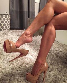 Sexy feet in sexy heels! Hot Heels, Sexy Legs And Heels, Nude Heels, Sexy High Heels, Womens High Heels, Pumps Heels, Platform High Heels, High Heel Boots, Heeled Boots