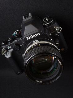Vintage Cameras Nikon DF - My camera is a jewel ! Nikon Camera Lenses, Nikon Df, Nikon Digital Camera, Camera Gear, Nikon Cameras, Antique Cameras, Old Cameras, Vintage Cameras, Camera Equipment