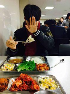 Makan siang with hzllll Boyfriend Kpop, First Boyfriend, Jinyoung, Bae, Syaoran, Uzzlang Girl, Happy Pills, Ong Seongwoo, Produce 101