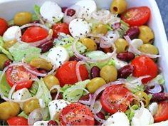 Míchaný salát se sýrem a rajčaty - | Prostřeno.cz Caprese Salad, Food, Essen, Meals, Yemek, Insalata Caprese, Eten