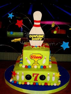 bowling party cake. I only wish I could make a cake like this,