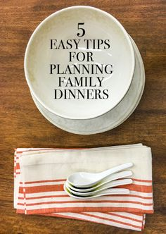 Figuring out what to do for dinner every night can be a big stressor. The first step is planning your meals out for the week. Planning the right meals and having tools to prep them can save you a lot of time. Read on as eBay lays out simple steps for planning family dinners.