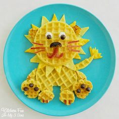 This cute roaring lion waffle from Kitchen Fun With My 3 Sons isn't hard to whip up in a pinch. And not only is it adorable, it's got protein, fiber, and antioxidents all packed into one sweet meal.