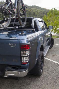 Ford Ranger XLT with wheels and tonneau cover. Hard Tonneau Cover, 20 Wheels, Nissan Navara, Toyota Hilux, Ford Ranger, Pickup Trucks, Tango, Mtb, Autos
