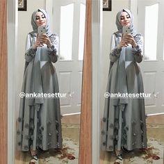 Skirt outfits hijab abayas 62 New ideas İslami Erkek Modası 2020 Hijab Dress Party, Hijab Wedding Dresses, Eid Dresses, Abaya Fashion, Muslim Fashion, Fashion Dresses, Hijab Fashionista, Abaya Style, Instagram Outfits