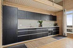 Rålekker endeleil. m høy standard - 5 sov - 2P-plasser - Badstue - Vestvendt veranda på ca. 25 kvm m formidabel utsikt!   FINN.no Double Vanity, Kitchen Cabinets, Real Estate, Bathroom, Home Decor, Modern, Washroom, Decoration Home, Room Decor