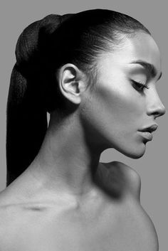 Black and White Fashion Photography Examples — RichPointofView Portrait Side Profile Woman, Female Profile, Women Profile, Profile Photography, Face Photography, Fashion Photography, Stunning Photography, Creative Photography, Digital Photography