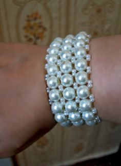 Free pattern for bracelet Snow Click on link to get pattern - http://beadsmagic.com/?p=7109