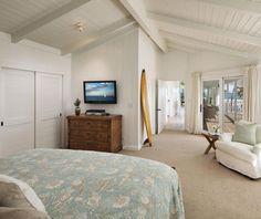 Mila Kunis and Ashton Kutcher Just Spent $10 Million On The Perfect California Beach House - ELLEDecor.com