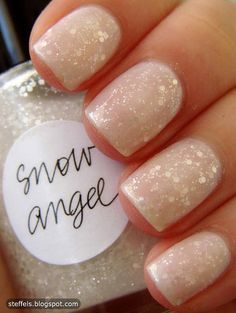 Looking for the perfect manicure inspirations or some new color to try on your nails? Fab Fashion Fix brings nails and manicure inspirations for every occasion. Love Nails, How To Do Nails, Pretty Nails, Fun Nails, Subtle Nails, Gorgeous Nails, Holiday Nails, Christmas Nails, Christmas Time