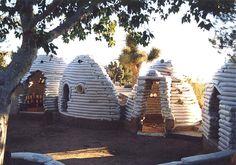 sandbag houses | Dans les pays occidentaux, le secteur du bâtiment est énergétivore ...