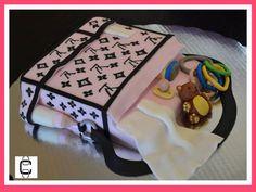 LOUIS VUITTON DIAPER BAG CAKE (Pastel en forma de pañalera con diseño LV)