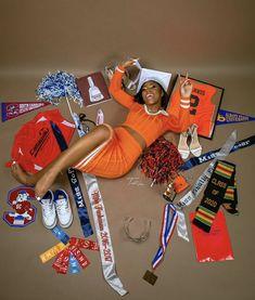 Nursing Graduation Pictures, Funny Graduation Caps, Graduation Picture Poses, Graduation Photoshoot, Senior Picture Outfits, Grad Pics, Grad Pictures, Graduation Ideas, Senior Pics