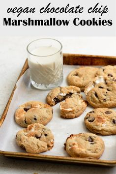 These vegan chocolate chip marshmallow cookies are the perfect combination of chewy and crispy. They're studded with chocolate chips and gooey marshmallows for a delicious sweet treat! Vegan Dessert Recipes, Fun Desserts, Baking Recipes, Delicious Desserts, Yummy Food, Baking Desserts, Cake Baking, Health Desserts, Tasty
