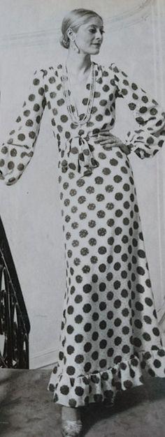 Janvier 1973. Haute couture été 1973. L Officiel 1000 modèles.