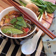 Weight Watchers Zero Point Asian Soup – A Completely Guilt-Free Recipe Weight Watchers Soup, Weight Loss Soup, Weight Watcher Dinners, Ww Recipes, Asian Recipes, Cooking Recipes, Healthy Recipes, Vegetarian Recipes, Lentils