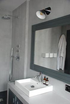 Home tour: un loft très chic - Interior Break Rental Bathroom, Laundry In Bathroom, Bathroom Renovations, Small Bathroom, Bathroom Modern, Bathroom Sinks, Bathroom Ideas, Bad Inspiration, Bathroom Inspiration