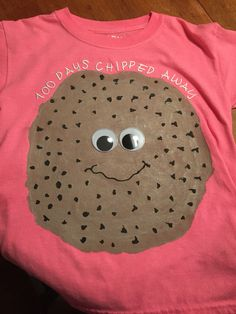 Day of School shirt. Used puffy paint for the chips so extra points for effect! Great because my daughter could paint and do most of this herself so it really became her project. 100th Day Of School Crafts, 100 Day Of School Project, School Gifts, School Projects, School Spirit Days, 100 Days Of School, School Fun, School Ideas, 100 Day Shirt Ideas