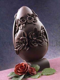 Stampo uovo di Pasqua con rose. www.decosil.it