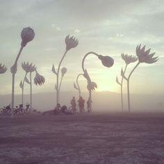 30 Amazing Photos That Will Make You Wish You Were At Burning Man 2014 - mindbodygreen Burning Man 2014, Burning Man Art, Art Installation, Nevada, Statues, Parc A Theme, Festivals Around The World, Foto Art, Effigy