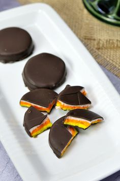Candy Corn Peppermint Patties makes 40 depending on size of patties 5 C confectioners sugar divided 3 tbsp lite corn syrup 3 tbsp water 1 tsp pure peppermint extract if u prefer more minty flavor use more extract I used mint extract & it worked well 2 if u have peppermint oil u can also use that but b careful oils may have stronger flavors 3 tbsp shortening  20 oz dipping chocolate wafers such as Merckens Food Gel Coloring: yellow & orange