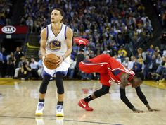 It was a clash of the heavyweights when the top teams of each conference squared off for a rematch in a Wednesday night showdown at Oracle Arena. After circling this very game on their calendar, …