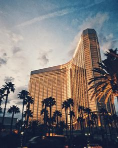 When you learn to harness the power of your fears it can take you places beyond your wildest dreams.... #vsco #vscocam #mandalaybay #lasvegas