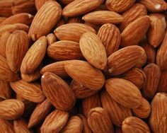 How to make Spiced Almonds. Step by step instructions to make Spiced Almonds . Heart Healthy Recipes, Healthy Foods To Eat, Healthy Fats, Healthy Eating, Happy Healthy, Healthy Life, Healthy Snacks, Weight Loss Meals, Healthy Weight Loss