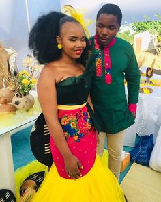 African Traditional Wear, African Traditional Wedding Dress, Traditional Wedding Attire, Traditional Outfits, Traditional Design, Short African Dresses, African Print Dresses, African Prints, Couples African Outfits