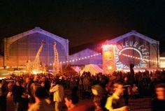 Festival Couleur Café, Zoals elk jaar vindt u er een ruime waaier aan muziekstijlen: R'nB, hip hop, soukous, reggae, dub, flamenco, salsa, son, zouk, folk, pop en elektronische muziek. Couleur Café voorziet 5 podia voor de festivalgangers. De Dance Club blijft het zenuwcentrum waar u nieuwe danspassen leert van de professionele dansers en uit de bol gaat op de ritmes van onze dj's.