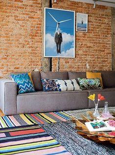 Sobreposição de tapetes: como combinar Home Living Room, Living Room Designs, Living Room Decor, Home Decor Inspiration, Decoration, My Dream Home, Sweet Home, Interior Design, Interior Ideas