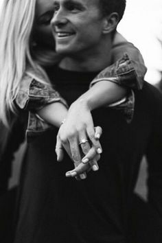 Top 20 engagement ring photos and images ring boho fashion for teens vintage wedding couple schmuck verlobung hochzeit ring Engagement Announcement Photos, Engagement Ring Photos, Fall Engagement, Engagement Couple, Engagement Photography, Engagement Session, Wedding Photography, Engagement Ideas, Engagements