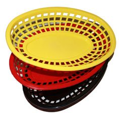 Burger Baskets made of molded plastic. Easily hold a burger and fries and more. Fun for parties, for kids meals Burger And Fries, Good Burger, Burgers, 50s Theme Parties, Party Themes, Party Ideas, 1950s Party Decorations, Table Decorations, Vintage Graduation Party