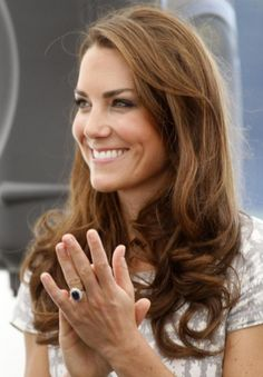 Happy birthday to Kate Middleton (and her ever gorgeous sapphire engagement ring!)