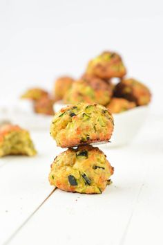 Zucchini Balls an easy and healthy appetizer recipe perfect for Christmas or thanksgiving. Only 6-ingredients, gluten free and light.