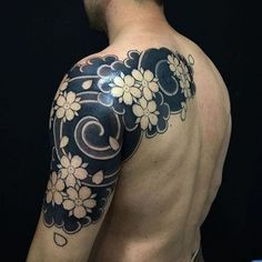 Flower Tattoos like sunflower tattoos and lotus flower tattoos are popular but there is more! Discover beautiful variations of floral tattoos now! Koi Tattoo Design, Flower Tattoo Designs, Flower Tattoos, Japanese Tattoo Art, Japanese Tattoo Designs, Japanese Sleeve Tattoos, Tatuajes Irezumi, Irezumi Tattoos, Asian Tattoos