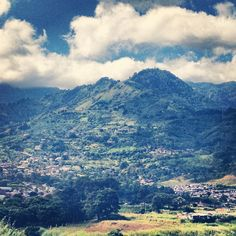 Green and beautiful as always - Escazú mountains in Costa Rica | #outdoors #mountains #costarica