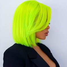 Reasons To Wear Hair Extensions : Absolutely right! This is the best part of using hair extension. It causes no damage to your hair. Neon Hair Color, Neon Green Hair, Hair Color Dark, Blue Hair, White Hair, Pink And Orange Hair, Yellow Hair Color, Violet Hair, Lilac Hair