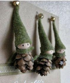 Duendes navideños con piñas   Solountip.com